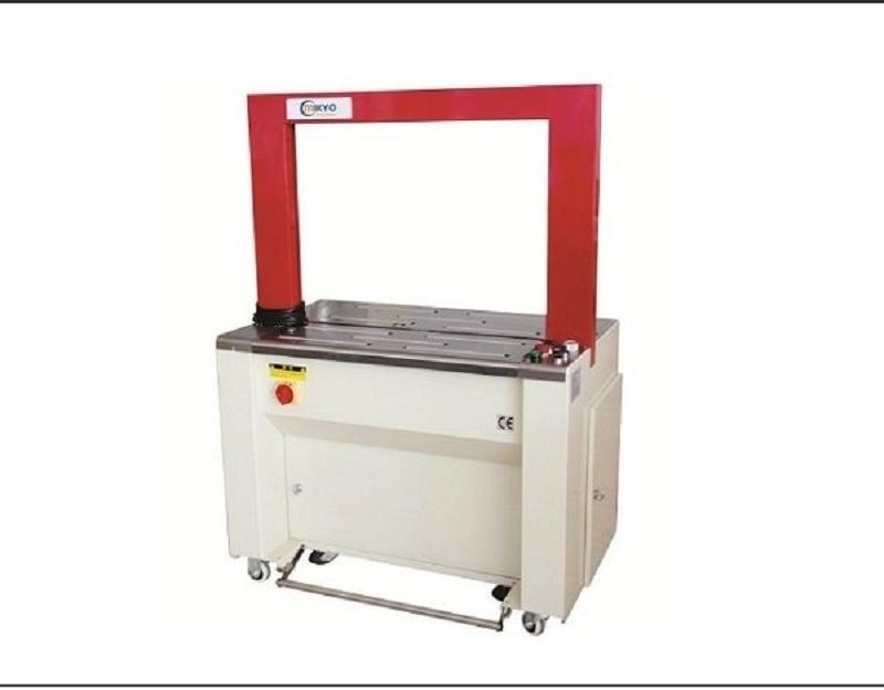 Vì sao nên sử dụng máy đóng đai thùng carton tại TPHCM trong sản xuất?