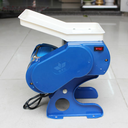 Máy cắt thịt mini được sử dụng nhiều trong hộ gia đình, quán ăn nhỏ...